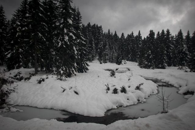 Στα λευκά η Ελλάδα – Εντυπωσιακές εικόνες από τα χιονισμένα τοπία | tanea.gr