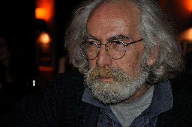Εφυγε από τη ζωή ο συγγραφέας Γιώργος Σκούρτης   tanea.gr