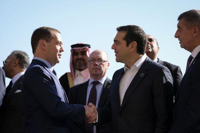 Επαφές Τσίπρα με Αλ Σίσι και Μεντβέντεφ | tanea.gr