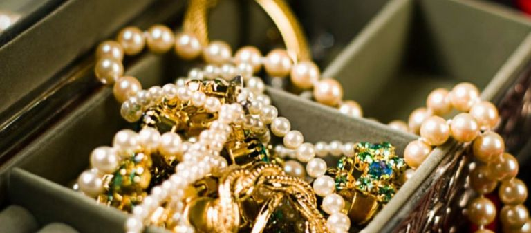 Ριχάρδος : Ο χρυσός, η «μαφία των Ρομά» και τα 44 ενεχειροδανειστήρια | tanea.gr