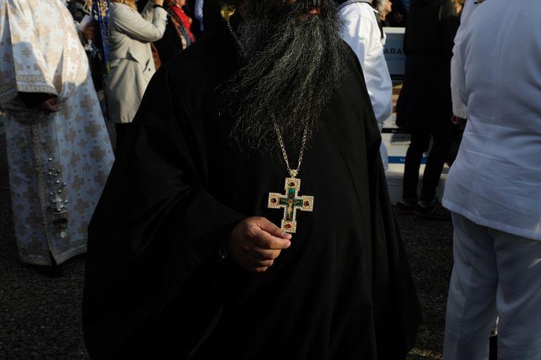 Τι μισθό παίρνει ο αρχιεπίσκοπος, τι παίρνουν οι παπάδες - Πόσο φτάνουν τα «τυχερά» | tanea.gr