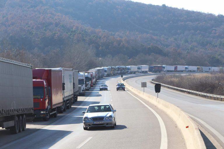 Ανοιξε ο δρόμος στον Προμαχώνα: Κανονικά διεξάγεται η κυκλοφορία | tanea.gr