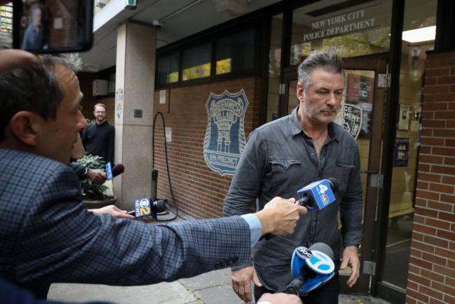 O Τραμπ για τη σύλληψη του οξύθυμου Αλεκ Μπόλντγουιν | tanea.gr