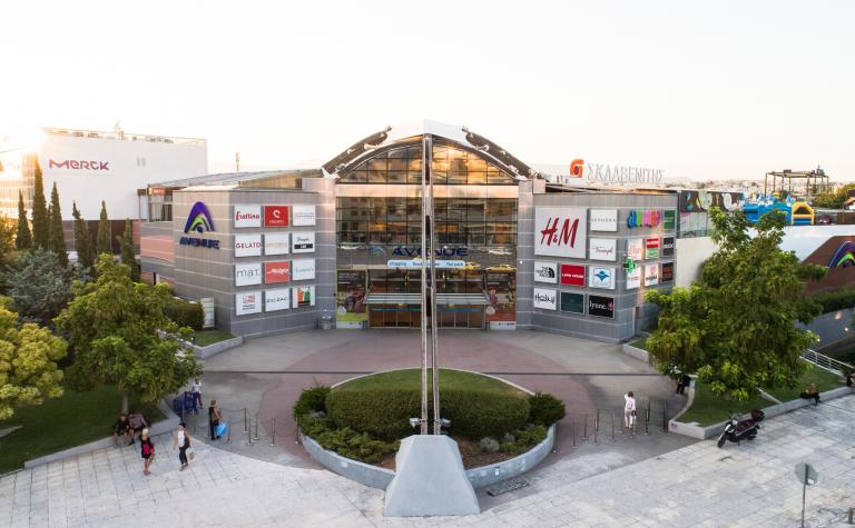 Απίστευτο: Ενα από τα πιο γνωστά εμπορικά κέντρα στην Αθήνα βγαίνει στο σφυρί   tanea.gr