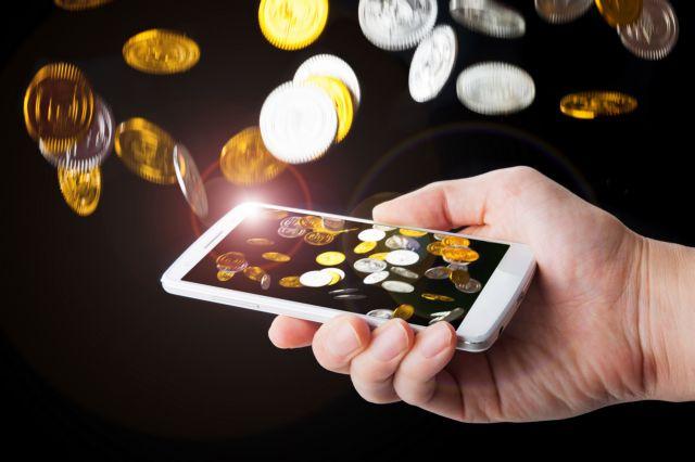 Καταρρέει η κυριαρχία των smartphones - Στα ύψη ο ανταγωνισμός | tanea.gr