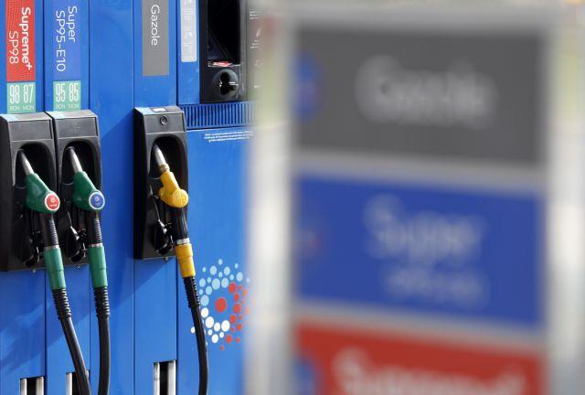 Γαλλία: Στους δρόμους με τα κίτρινα γιλέκα κατά των αυξήσεων στα καύσιμα   tanea.gr
