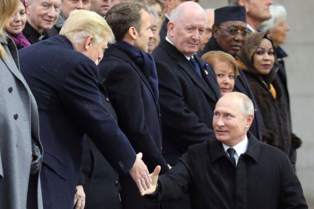 Εγκάρδια χειραψία Πούτιν-Τραμπ (video)   tanea.gr
