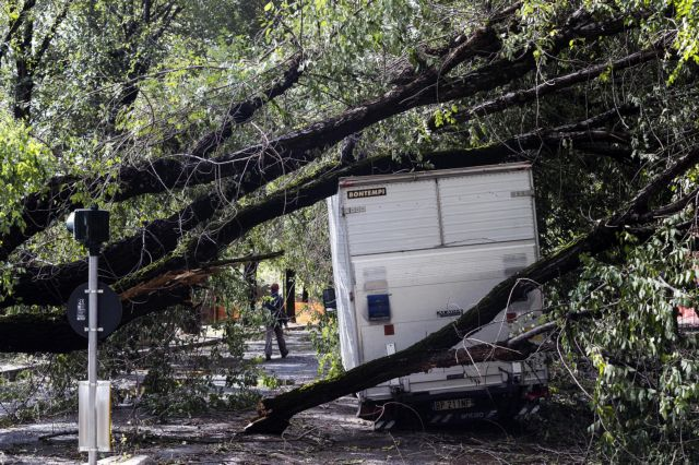 Σφοδρές καταιγίδες πλήττουν την Ιταλία - Στους 17 οι νεκροί | tanea.gr