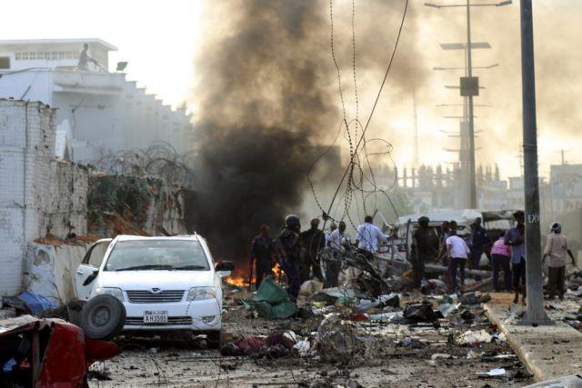 Σομαλία: Επίθεση καμικάζι σε ξενοδοχείο - Στους 53 οι νεκροί | tanea.gr