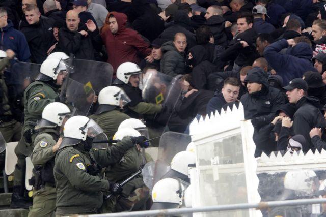 Βαρύ κατηγορητήριο από UEFA για τα επεισόδια στο ΑΕΚ - Αγιαξ | tanea.gr