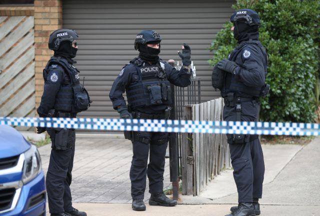 Μελβούρνη: «Χειροπέδες» σε τρεις υπόπτους για τρομοκρατική ενέργεια | tanea.gr
