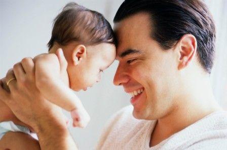Πώς η ηλικία του πατέρα επηρεάζει ένα μωρό   tanea.gr