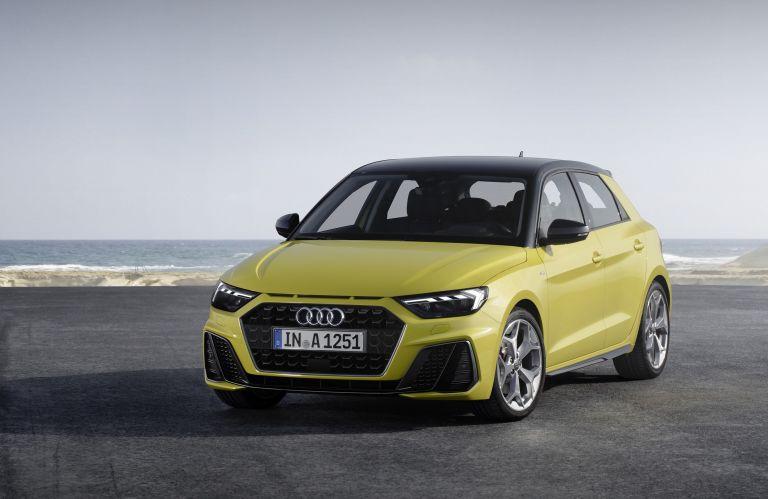 Audi on Tour: Πότε και που μπορείτε να οδηγήσετε τα νέα μοντέλα της | tanea.gr