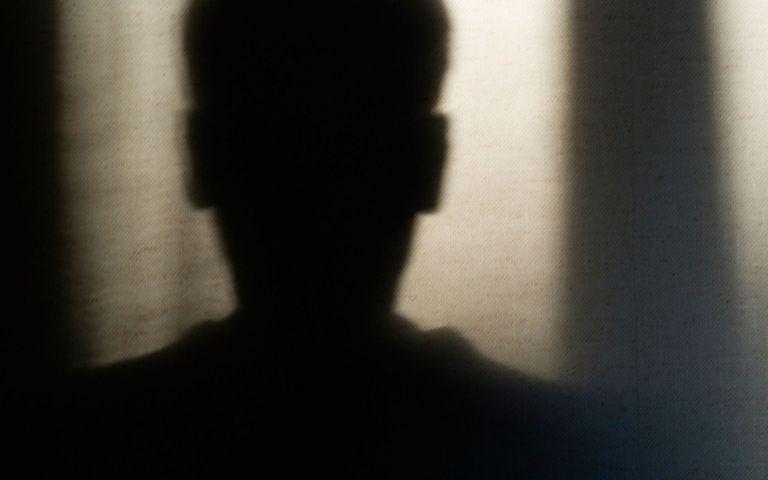 Βιαστής μπορεί να βλέπει το παιδί που γεννήθηκε από το έγκλημά του | tanea.gr