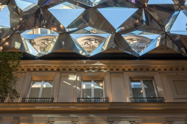 Mε παριζιάνικη φινέτσα το νέο κατάστημα της Apple (photos)   tanea.gr