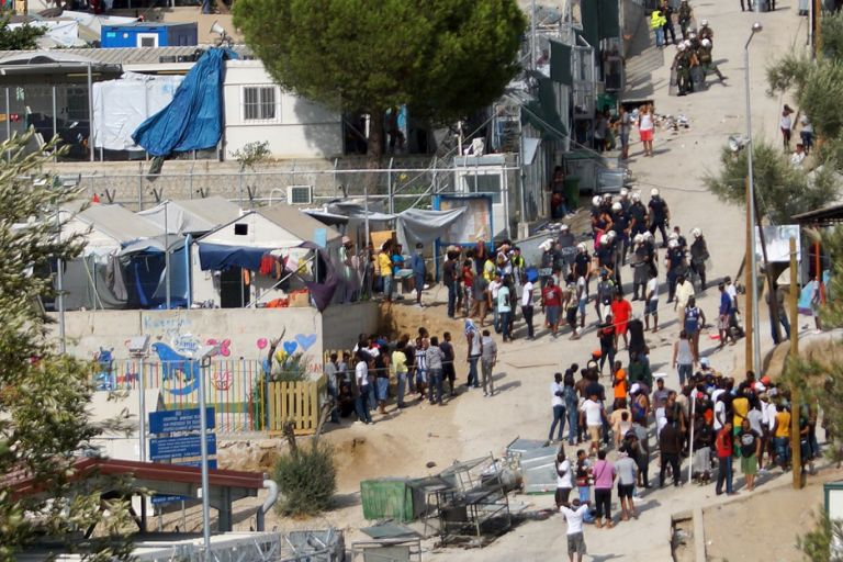 Κόλαφος από τα γερμανικά ΜΜΕ: «Υπαίθρια φυλακή» η Μόρια | tanea.gr