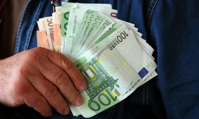Μποναμάς... κάλπης από 300 έως 1.400 ευρώ - Ποιοι το δικαιούνται | tanea.gr