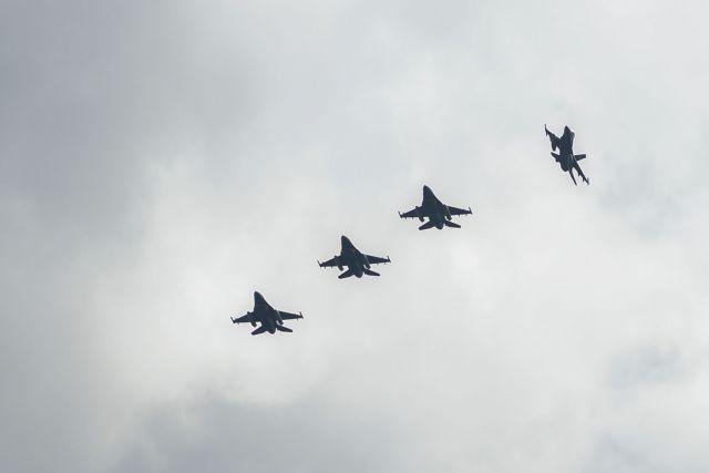 Εντεκα παραβιάσεις από οκτώ τουρκικά F-16 και ένα εκπαιδευτικό Τ-38 | tanea.gr
