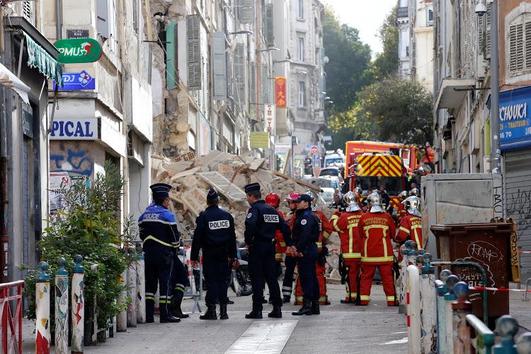 Μασσαλία: Μπαλκόνι κατέρρευσε τραυματίζοντας τρεις   tanea.gr