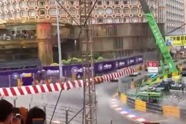Τρομακτικό ατύχημα σε αγώνα της Formula 3 (vid)   tanea.gr