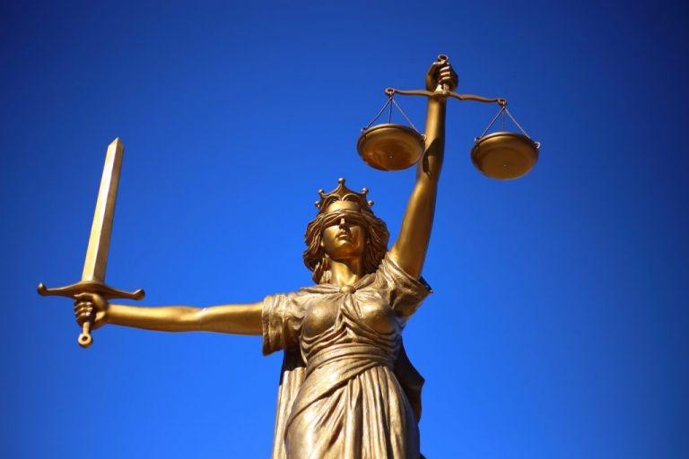 Οι 5+2 δικαστικές υποθέσεις - φωτιά που θα ανοίξουν μέχρι τις κάλπες | tanea.gr