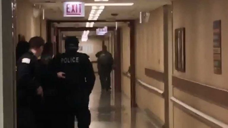 Δυο νεκροί και σοβαρά τραυματίες σε νοσοκομείο του Σικάγο   tanea.gr