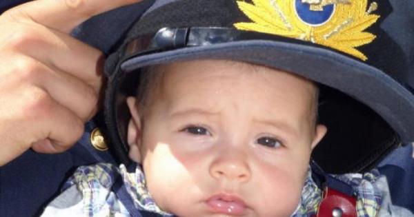 Συγκίνησε ο 6χρονος Θεοφύλακτος που ήρθε στον κόσμο με... Super Puma (βίντεο) | tanea.gr