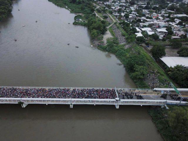 Στο Μεξικό το καραβάνι 5.500 μεταναστών | tanea.gr
