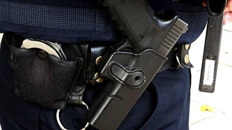 Βρήκαν ύστερα από 20 χρόνια κλεμμένο όπλο αστυνομικού | tanea.gr
