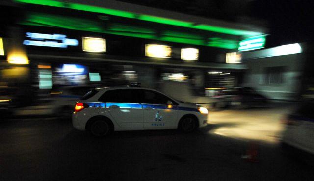 Βίντεο από τη στιγμή της επίθεσης Ρομά κατά αστυνομικών στην Πειραιώς | tanea.gr
