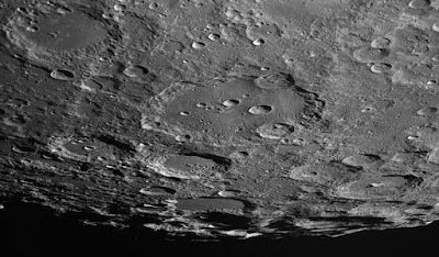 Πουλήθηκαν πέτρες από τη Σελήνη αντί 855 χιλιάδων ευρώ | tanea.gr