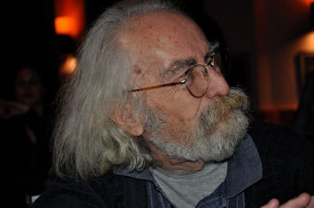 Την Τετάρτη η κηδεία του Γιώργου Σκούρτη στο Α' Νεκροταφείο | tanea.gr