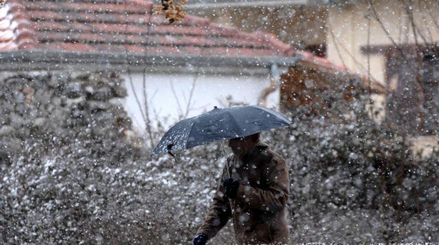 Στα λευκά «ντύθηκαν» τα Τρίκαλα | tanea.gr