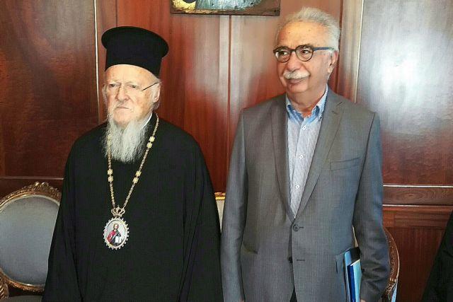Εξηγήσεις Γαβρόγλου στον Πατριάρχη για την «εν κρυπτώ» συμφωνία Τσίπρα - Ιερώνυμου | tanea.gr