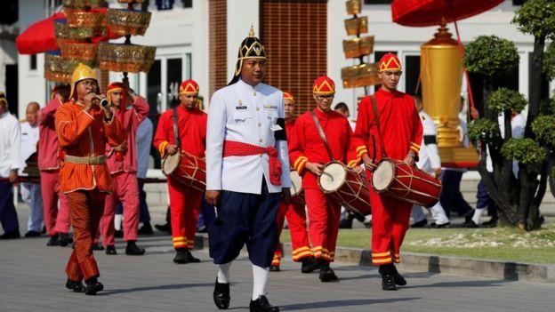 Στην Μπανγκόκ με βασιλικές τιμές η κηδεία του ιδιοκτήτη της Λέστερ,θα διαρκέσει μία εβδομάδα | tanea.gr