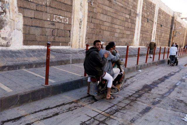 Υεμένη: Σφοδρές μάχες και αεροπορικές επιδρομές   tanea.gr