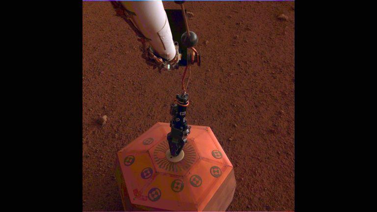 Το InSight της NASA τοποθέτησε σεισμογράφο στον Άρη   tanea.gr