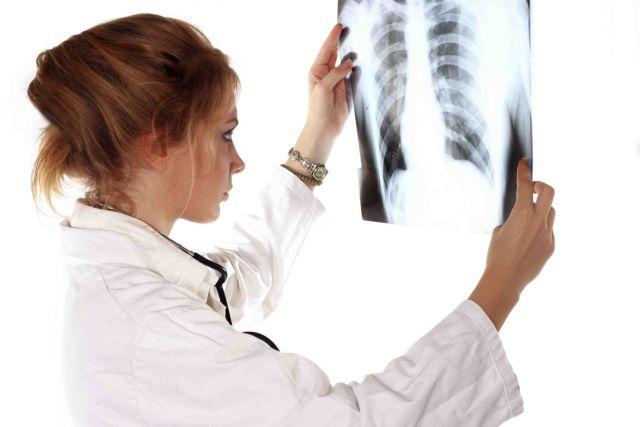Γαλλία: Προβληματίζει η τακτική εξέτασης οστών ασυνόδευτων ανηλίκων | tanea.gr