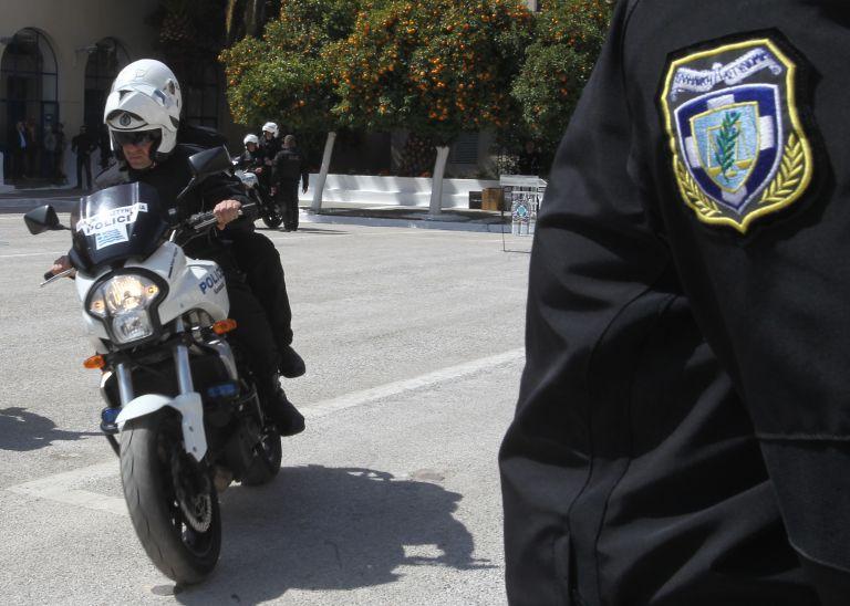 28χρονος ειδικός φρουρός παρέσυρε ηλικιωμένη και αυτοκτόνησε από τύψεις | tanea.gr