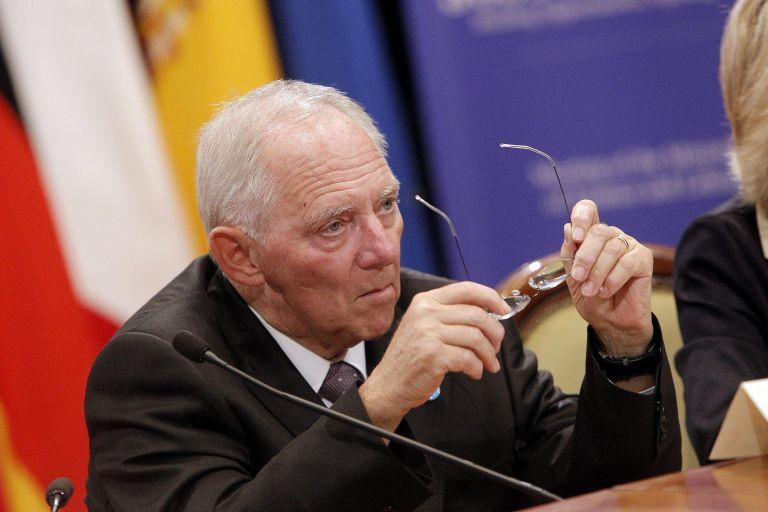 Σόιμπλε: «Το ευρώ είναι ανθεκτικό σε κάθε είδους κρίση»   tanea.gr