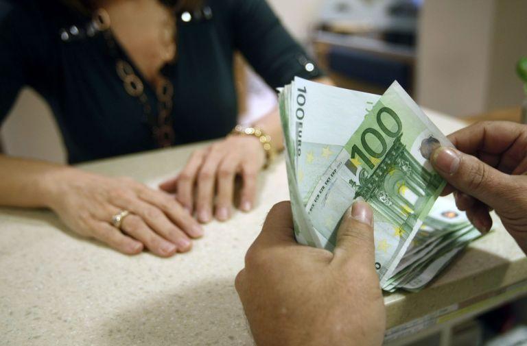 Μειώθηκαν κατά 1,3% οι καταθέσεις στις τράπεζες τον Ιανουάριο   tanea.gr