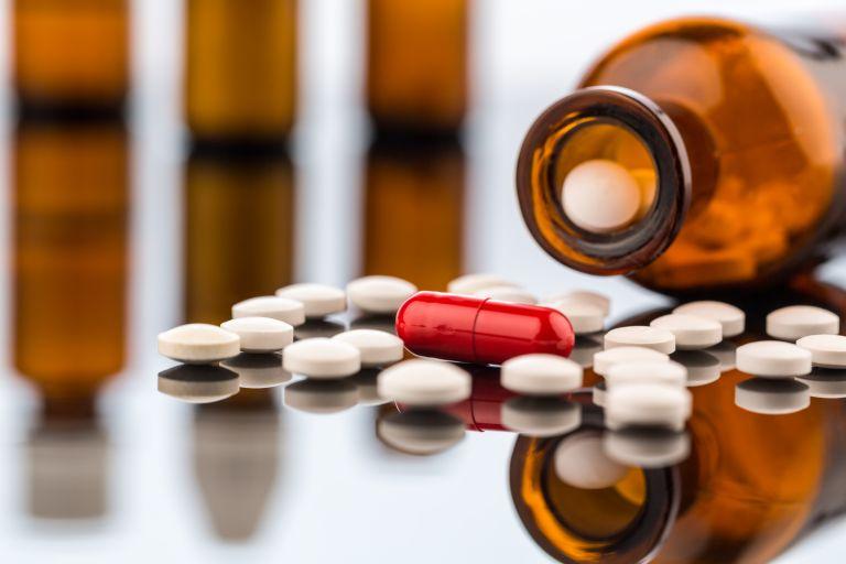 Επίθεση ΣΥΡΙΖΑ σε Χατζηδάκη για τα μη συνταγογραφούμενα φάρμακα | tanea.gr
