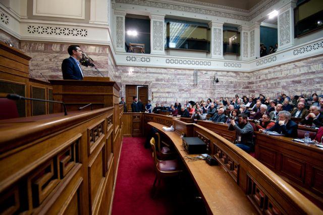Μαραθώνια συνεδρίαση της ΚΟ του ΣΥΡΙΖΑ: «Δια βοής» αλλά και με αρκετά «κατά» πέρασε η συμφωνία | tanea.gr