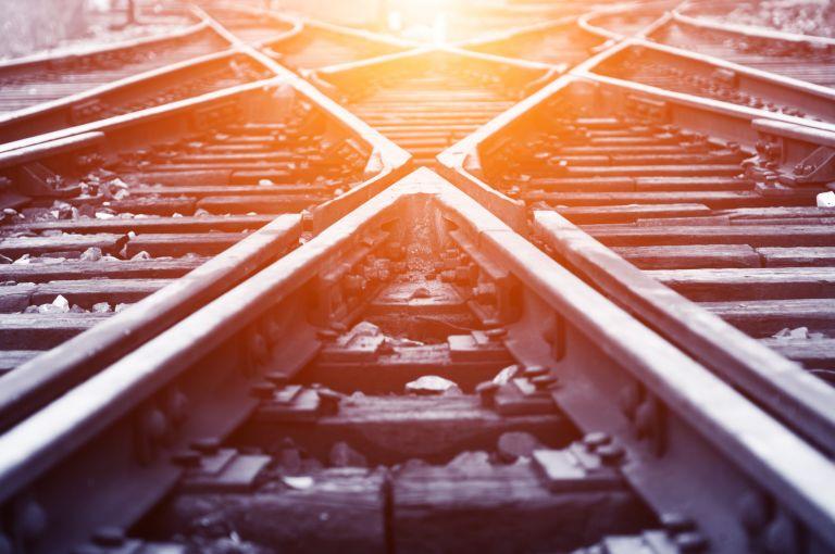 Ημαθία: Τρένο παρέσυρε και σκότωσε 25χρονο | tanea.gr