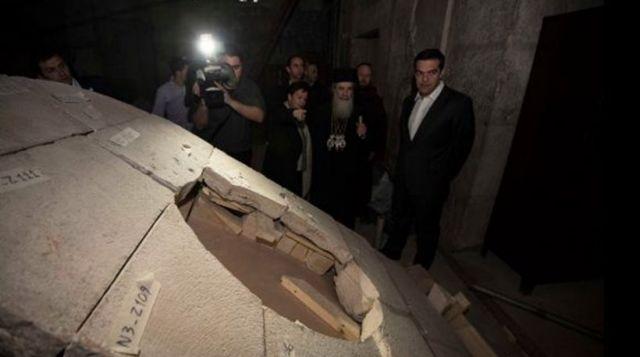Τσίπρας: Εργο ανάδειξης του Πανάγιου Τάφου η αποκατάσταση του Ιερού Κουβουκλίου   tanea.gr