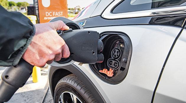 Πόσο χιλιόμετρα θα διανύουν τα ηλεκτρικά ΙΧ με τις νέες μπαταρίες | tanea.gr