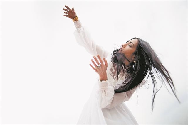 Το χειροποίητο μουσικό παζλ της Hindi Zahra | tanea.gr
