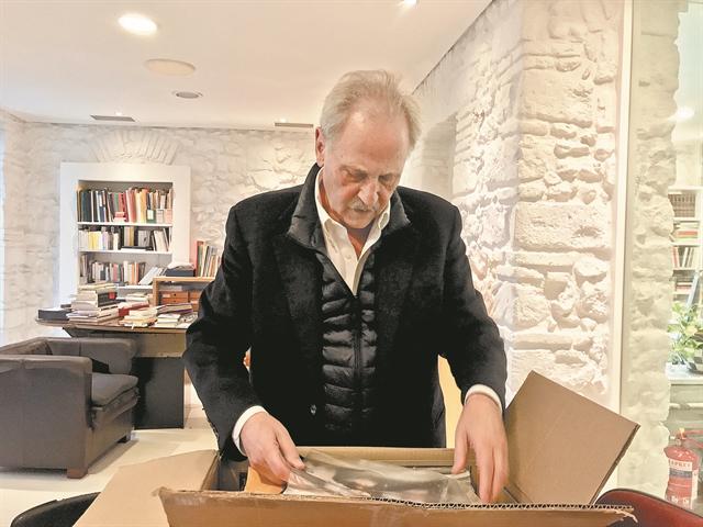 «Βγάλαμε το βιβλίο έξω από τη μιζέρια» | tanea.gr
