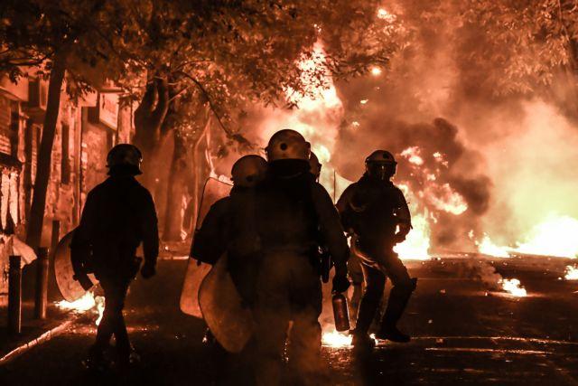 Γρηγορόπουλος : Οδοφράγματα, φωτιές, καταστροφές και τραυματίες | tanea.gr