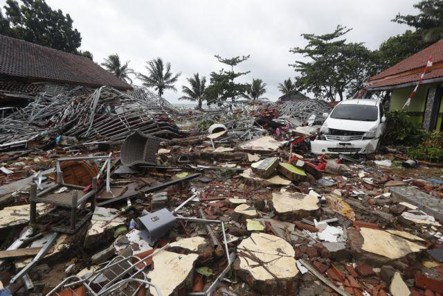 Τσουνάμι στην Ινδονησία : Ετρεχαν στο δάσος για να σωθούν από τα κύματα | tanea.gr